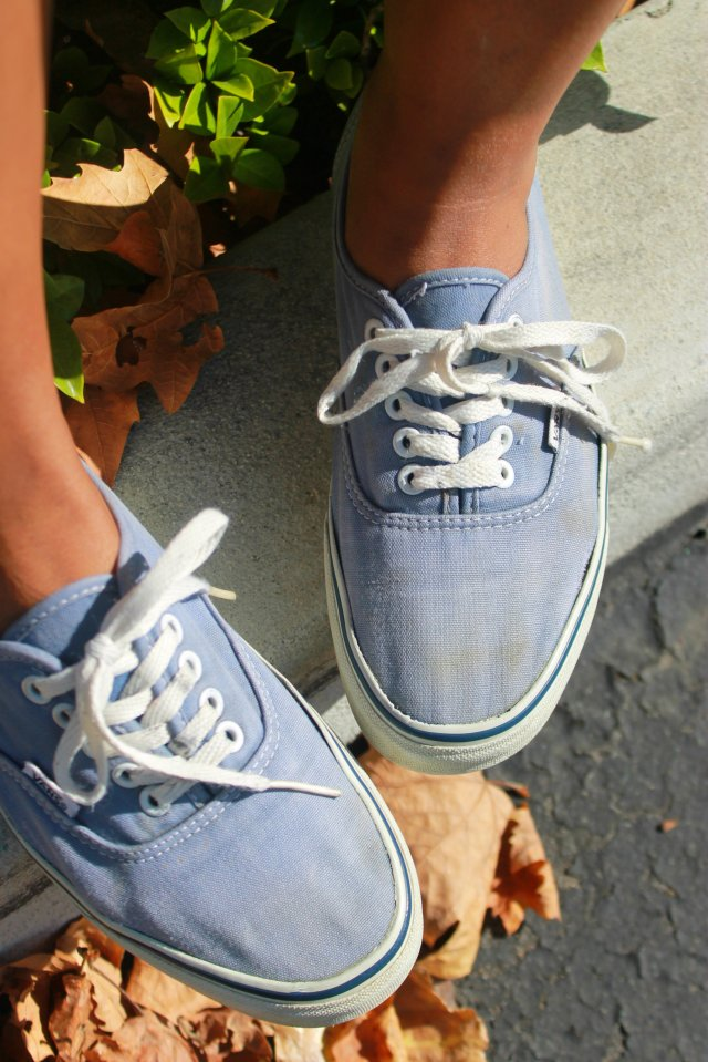 denim-chambray-how-to-dress-casual-cute-vans-mimiboutique-natural-hair
