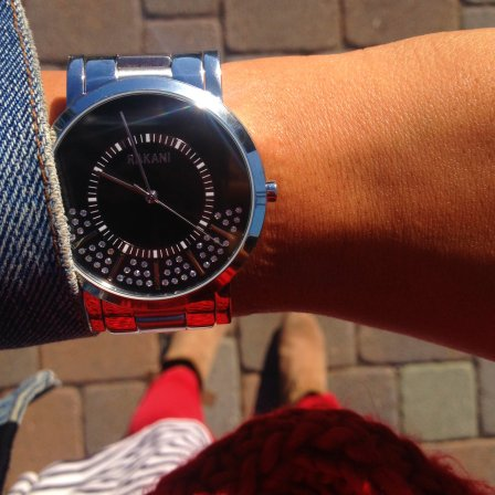 rakani-watches-stuck-in-traffic-fashion-timepiece